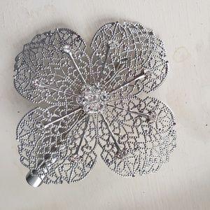 Silver flower cubic zirconia hair clip